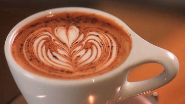 U. How to Use Chocolate Powder in Latte Art Promo Image