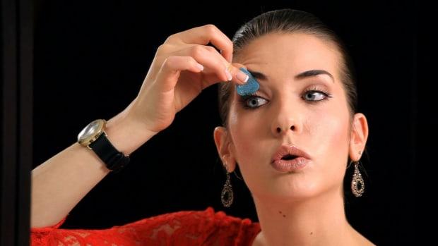 C. Top 5 Makeup Tips & Tricks Promo Image