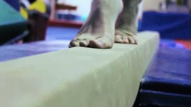 W. How to Use a Balance Beam Promo Image