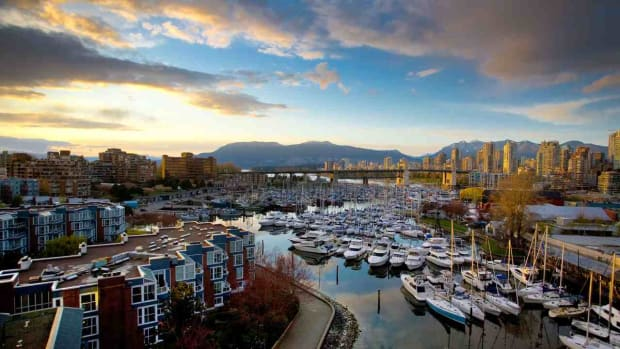 A. Top 7 Neighborhoods to Visit in Vancouver Promo Image