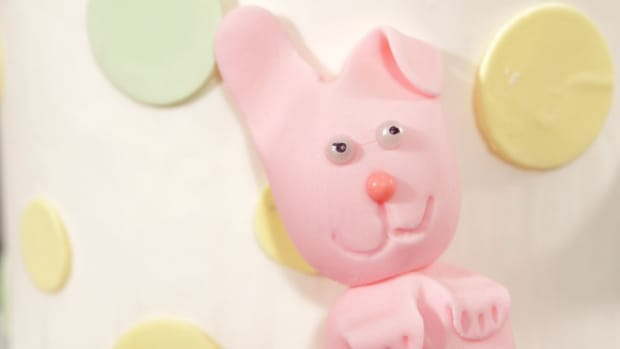 V. How to Make a Fondant Bunny Promo Image