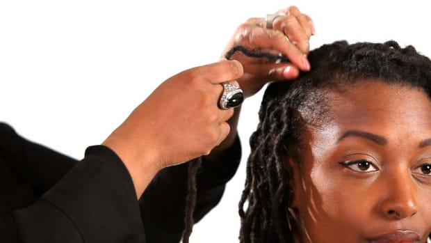 K. How to Use Rubber Bands on Dreads Promo Image