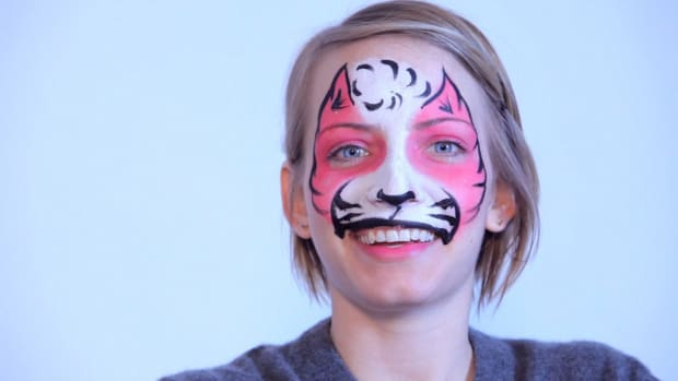 P. How to Paint a Cat with Face Paint Promo Image