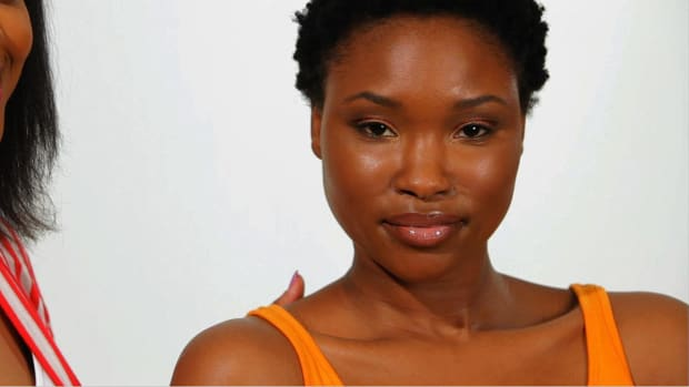 S. How to Apply Lip Color for Black Women Promo Image