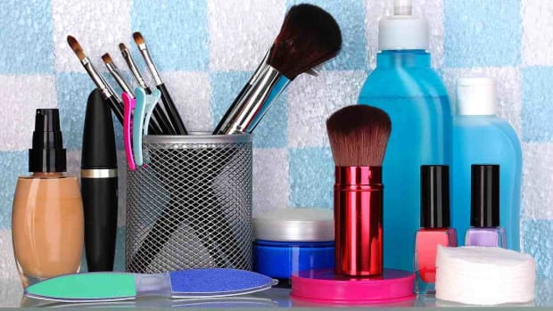 ZR. How to Get Free Samples & Travel-Size Items Promo Image