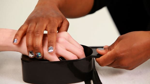 D. How to Soak Nails before a Manicure Promo Image