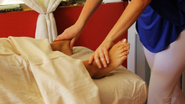 Y. What Is a Marma Massage? Promo Image