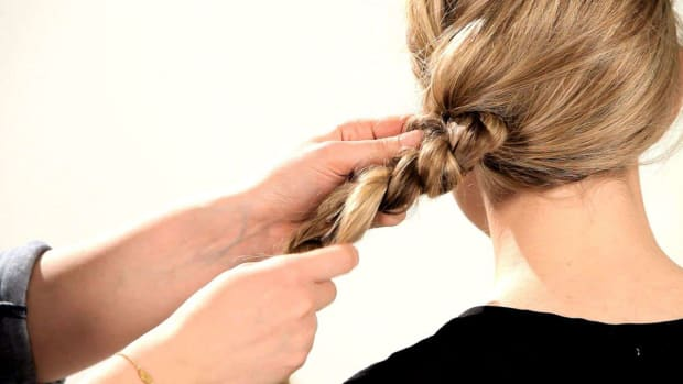 I. How to Do a Knotted Messy Braid Promo Image