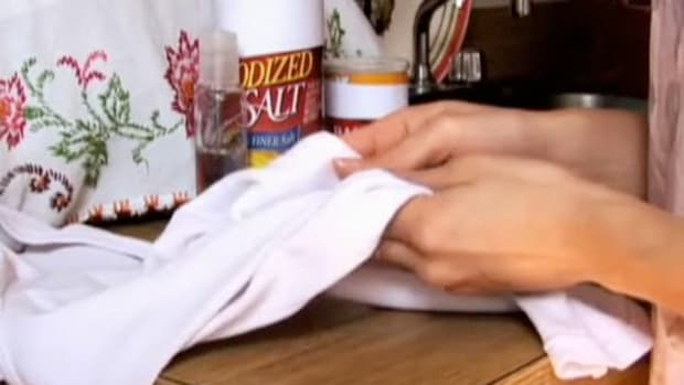 ZZA. How To Get Out Grease Stains From Fabric Promo Image