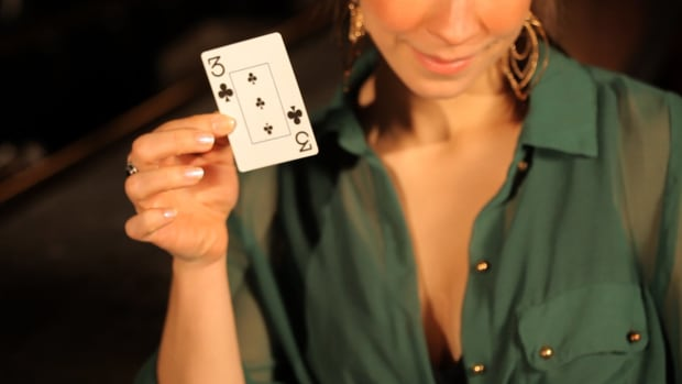 A. How to Do a Card Trick for a Free Drink Promo Image