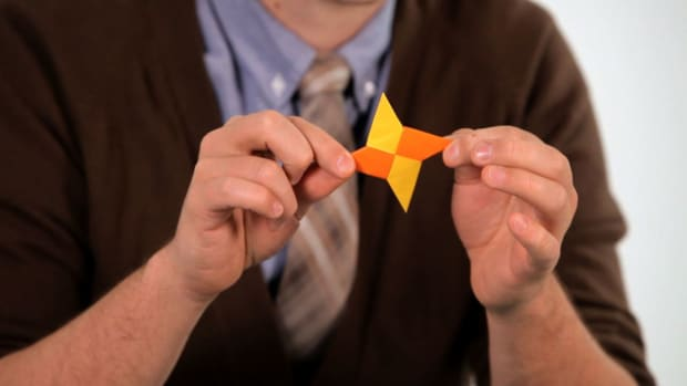 O. How to Make an Origami Ninja Weapon Promo Image
