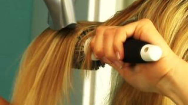 ZZE. How to Blow Dry Hair to Create Volume Promo Image