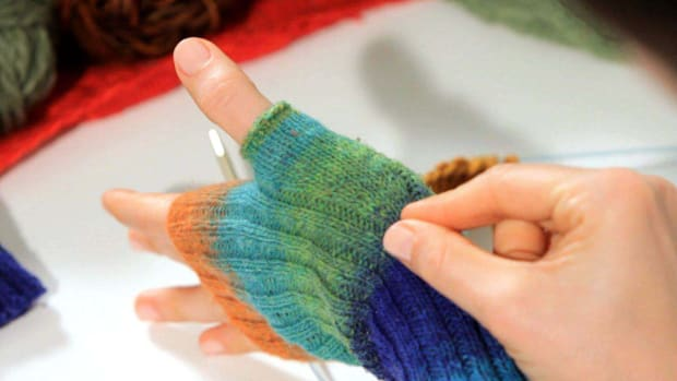 T. How to Increase a Stitch in Knitting Promo Image