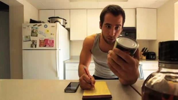 W. How to Avoid Common Bodybuilding Diet Mistakes Promo Image