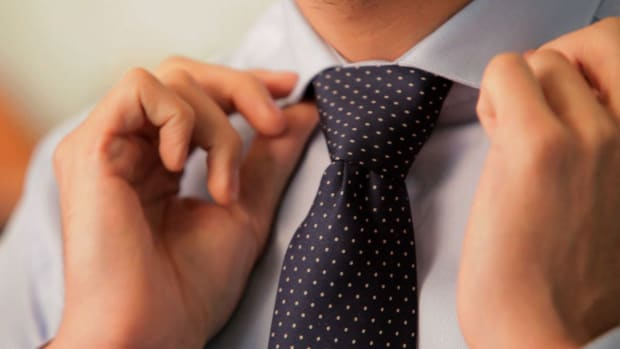 A. How to Tie a Windsor Knot Promo Image