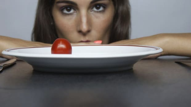 ZD. What Is Orthorexia Nervosa & Is it an Eating Disorder? Promo Image