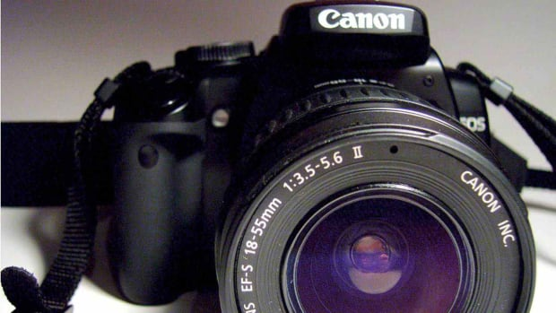 ZZC. What's a Beginner Digital Camera Kit? Promo Image