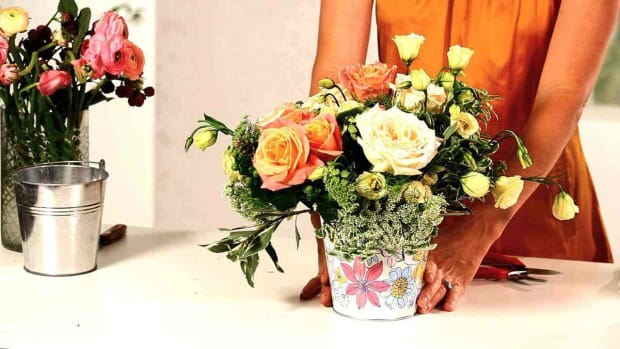 T. How to Make an Inexpensive Floral Arrangement, Part 2 Promo Image