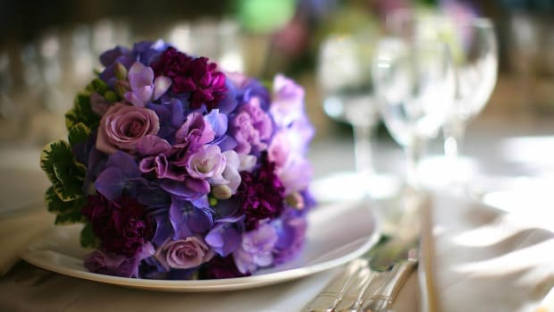 ZV. How to Talk to Your Florist about Your Wedding Flowers Promo Image