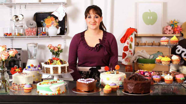 ZJ. How to Decorate a Cake with Katie Rosenhouse Promo Image
