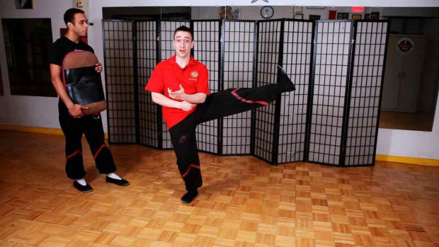 ZB. How to Do a Side & Slant Kick in Wing Chun Promo Image