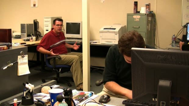 I. How to Play a Desk Chair Prank on a Co-Worker Promo Image