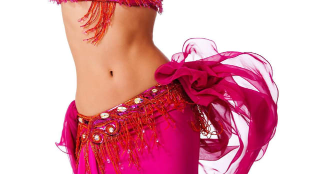 ZB. How to Do Small Hip Circles in Belly Dancing Promo Image
