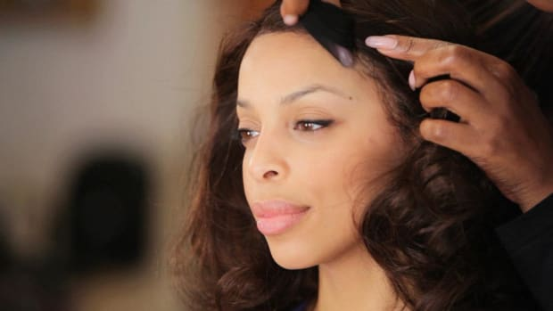 I. How to Put on a Lace Front Wig Promo Image