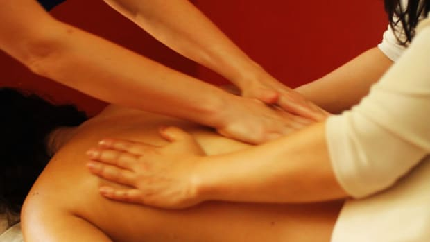 X. How to Give a Four-Handed Ayurvedic Massage with Warm Oil Promo Image
