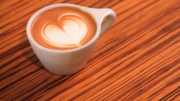 H. How to Pour a Latte Art Solid Heart Promo Image