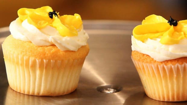 J. How to Make Flower Cupcakes Promo Image