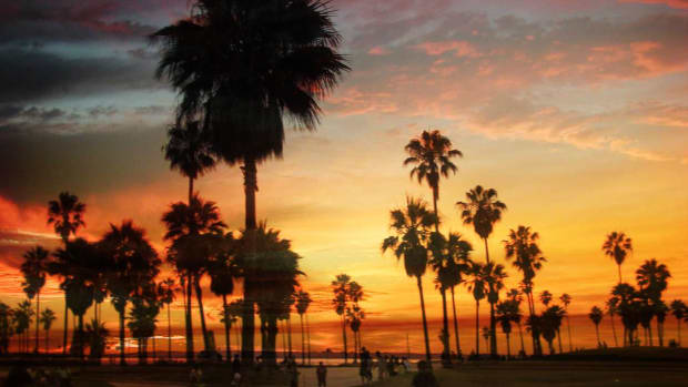 A. Top 6 Neighborhoods to Visit in Los Angeles Promo Image
