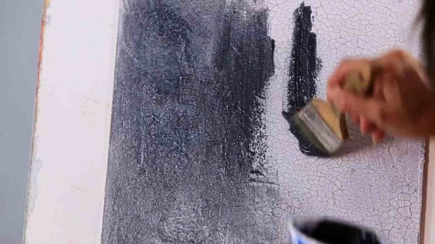 O. How to Finish Crackle Painting a Wall with Glaze Promo Image