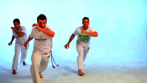 E. How to Do the Queixada in Capoeira Promo Image
