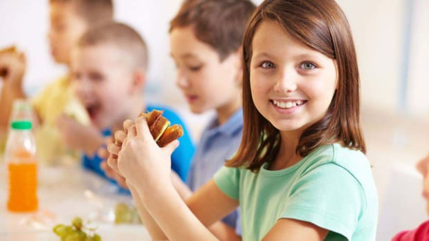 Y. 2 Easy Ways to Green Your Child's Lunch Promo Image