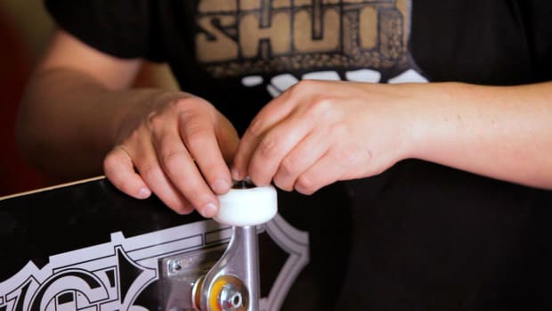 T. How to Mount Skateboard Wheels without a Bearing Press Promo Image