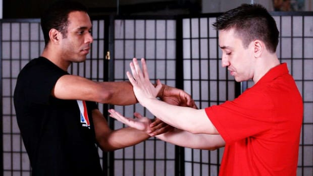 ZS. How to Do Chi Sau Footwork in Wing Chun Promo Image