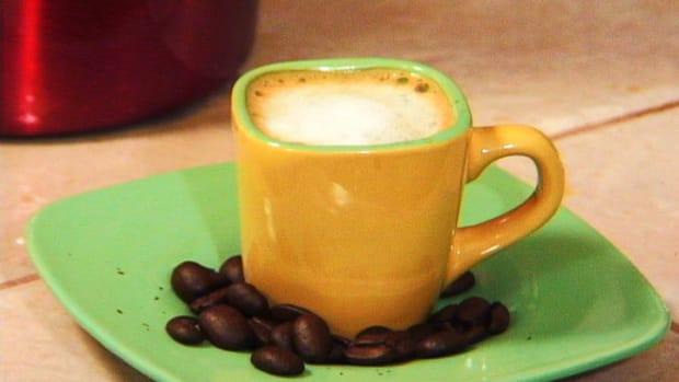 E. How to Make a Caffe Macchiato Promo Image