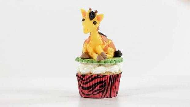 Lesson 3: Giraffe Topper Promo Image