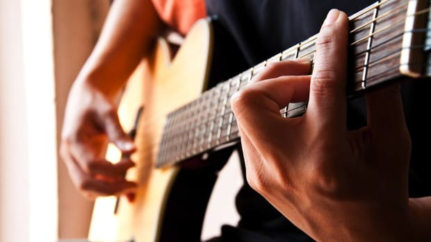 ZA. How to Play Easy Bass Lines in Fingerstyle Guitar Promo Image