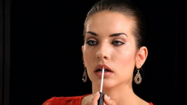 K. How to Create Full Lips Promo Image