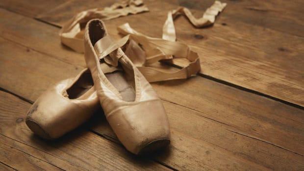W. 3 Ballet Pointe Tips Promo Image