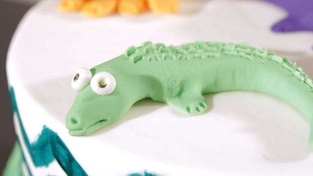 F. How to Make a Fondant Allligator for a Jungle Theme Cake Promo Image