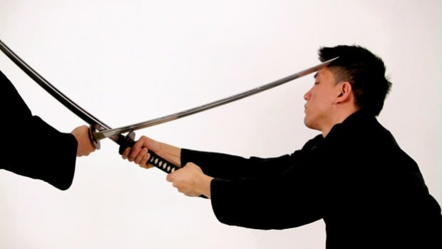 ZI. How to Do a Tsuki Komi Katana Block in Sword Fighting Promo Image