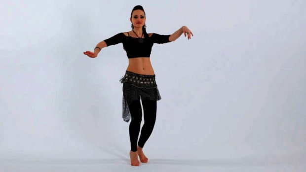 O. How to Do a Choo-Choo Shimmy in Belly Dancing Promo Image