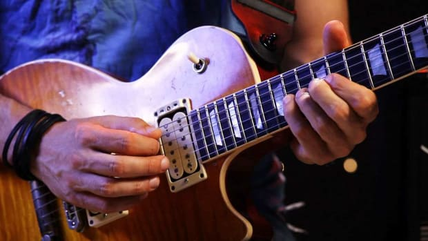 ZL. How to Play a Major Arpeggio on Heavy Metal Guitar Promo Image