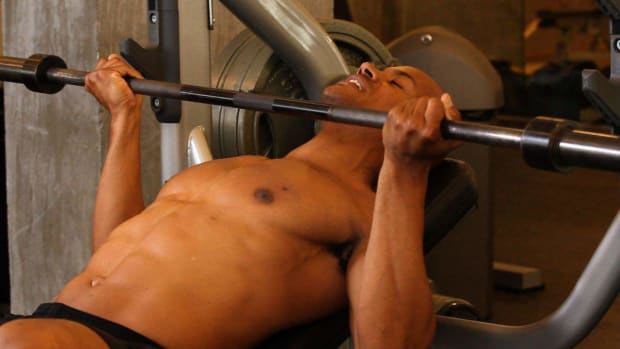ZI. How to Do a Reverse Grip Incline Bench Press Promo Image