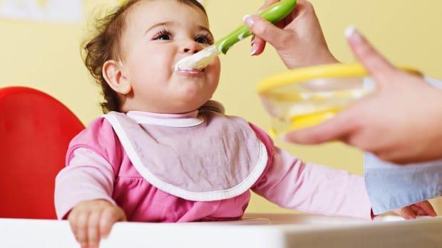 R. Baby Feeding Timeline Promo Image
