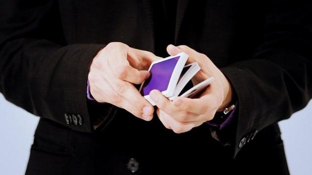M. How to Do the Hindu Shuffle Card Flourish Promo Image
