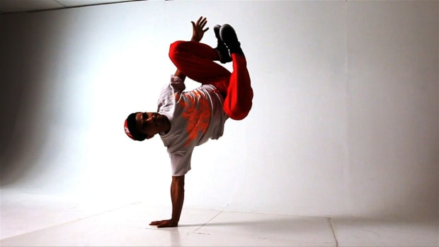 S. How to Do a Handstand in Break Dancing Promo Image